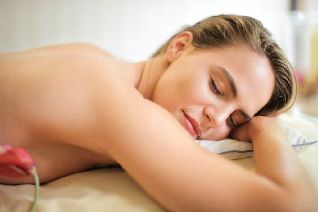 Moment détente auto-massage repos