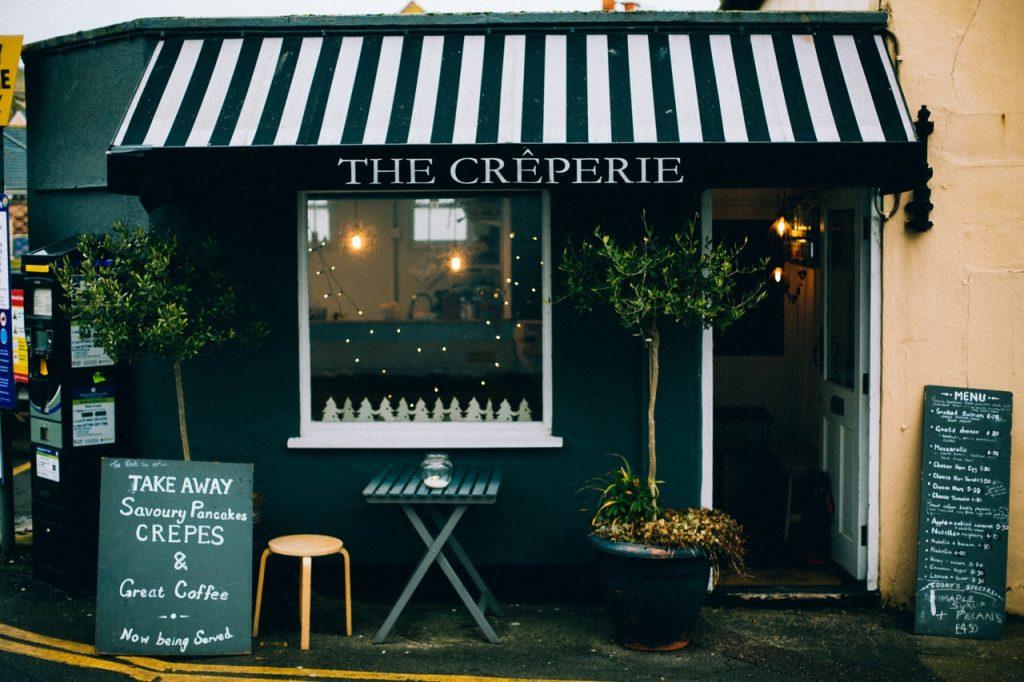 Petit boutique, restaurant, crêperie