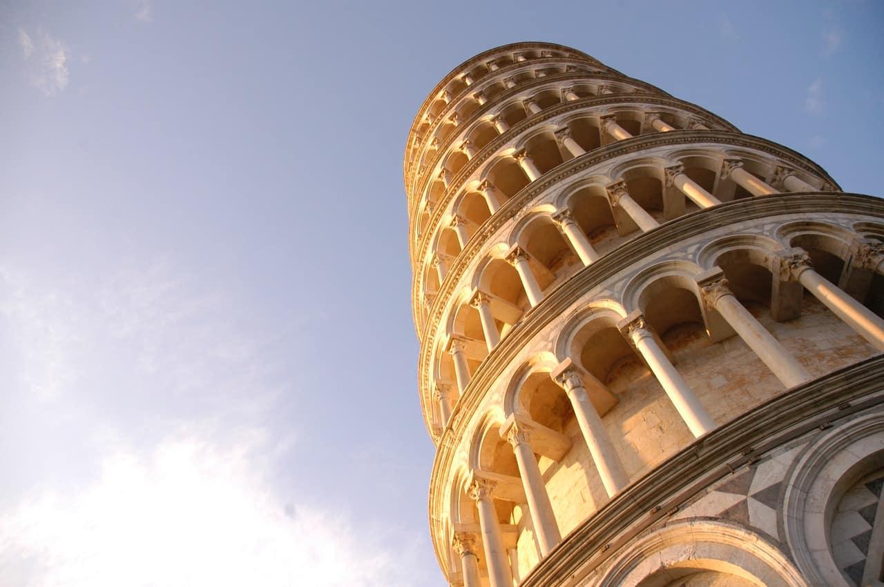Tour de Pise monument italien
