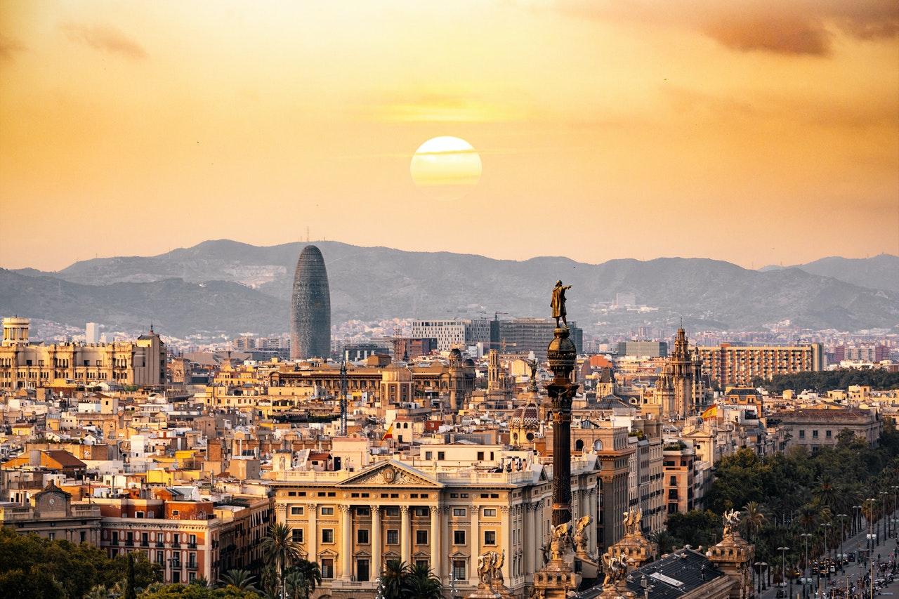 Ville d'Espagne Barcelone au coucher du soleil