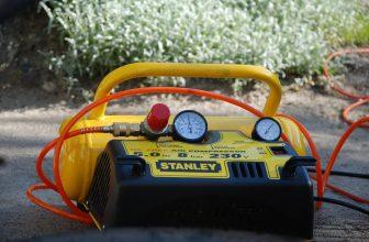 Compresseur à Air jaune de la marque Stanley