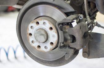 Plaquette de freins sur disque d'une voiture