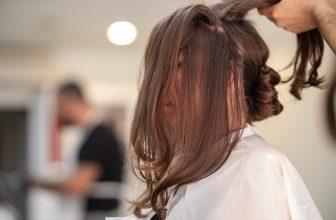 Coupe de cheveux, coiffure et chignon de mariage